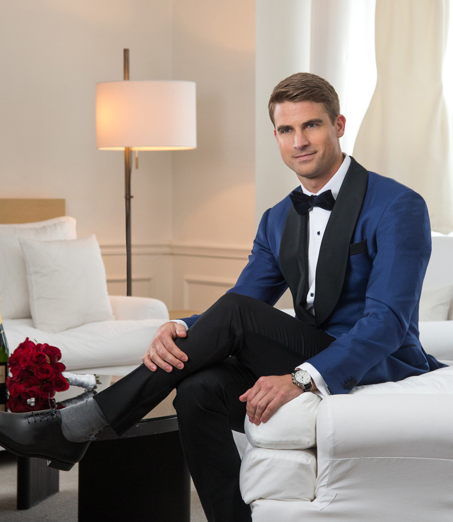 Blue_Tuxedo_Jacket_Shawl_Lapel_Black_Satin_Custom_Balani_Tailored_Flowers_Boquette_Sitting_Down_Wedding_Chicago_900.jpg