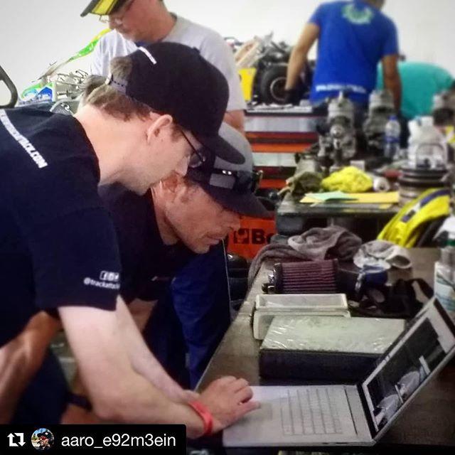 Showing teams at @superkartsusa championship races how to find time and win.  #skusa #karting #kart #kartvegas #skusavegas2018 #supernationals2018