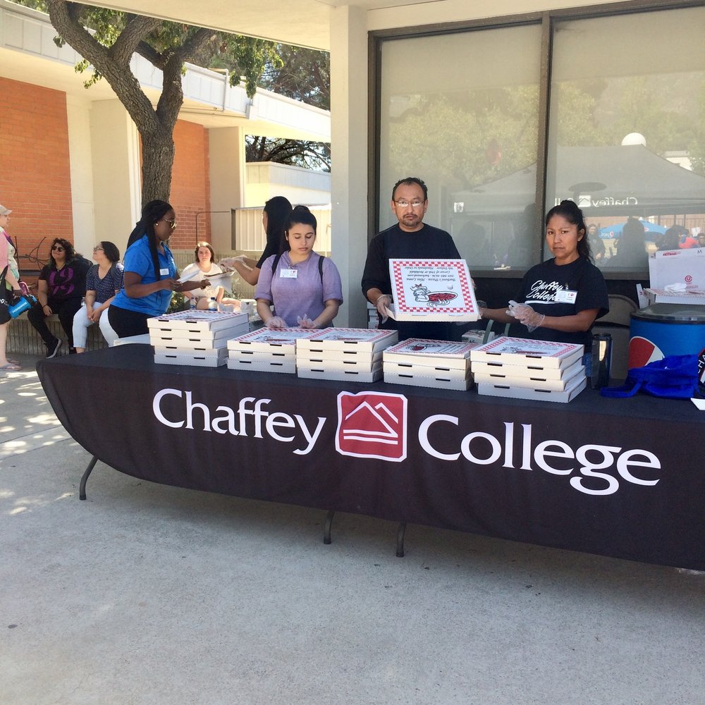 Chaffey volunteers serving lunch to the transfer fair attendees. Photo by Paris Barraza