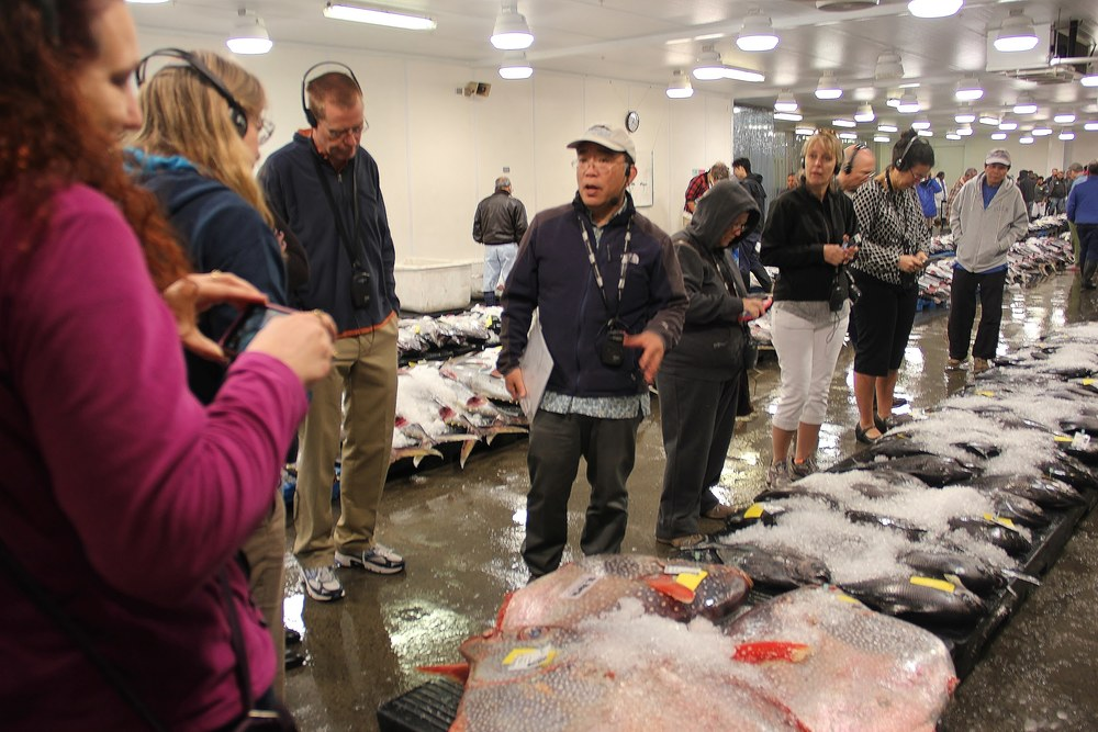 CCC_Communication Committee group meeting_Fish auction tour with UFA_20160218_pic(25).JPG