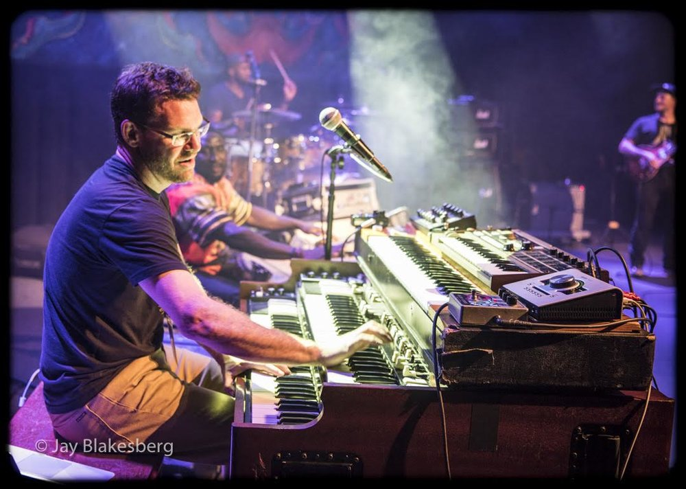 7Come11_Cr.Jay Blakesberg_2.jpg
