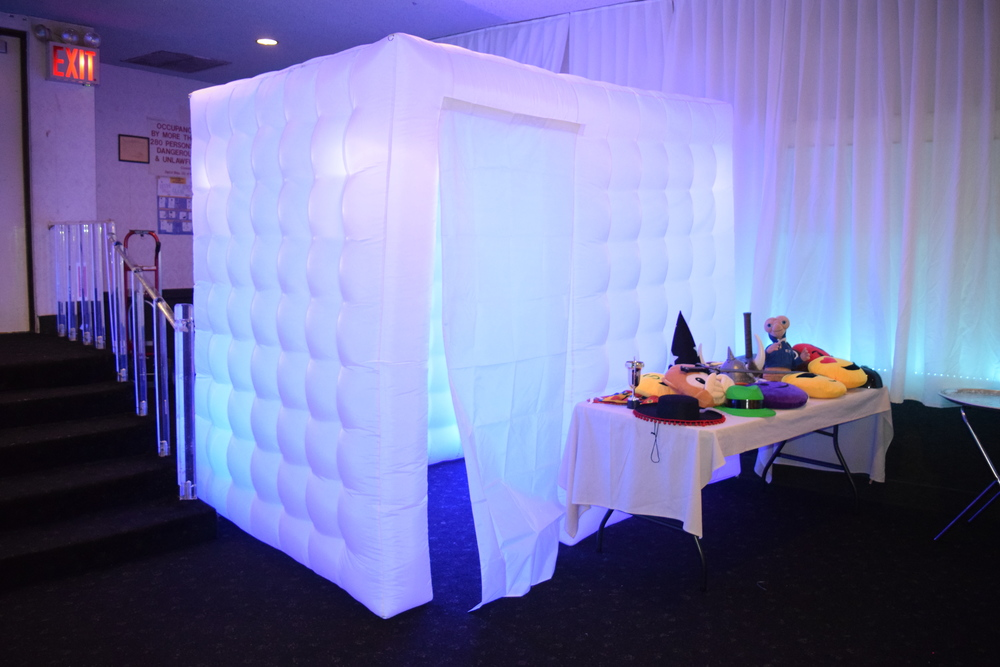 WE HAVE PHOTO BOOTHS FOR ANY OCCASION