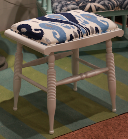 dunesandduchess-highpoint-bench-vanitybench-white.png