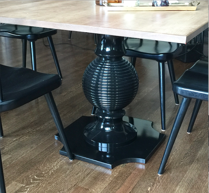 dunesandduchess-custom-table-capstan-black.png
