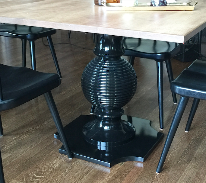 dunesandduchess-diningtable-capstan-black-woodtop.png
