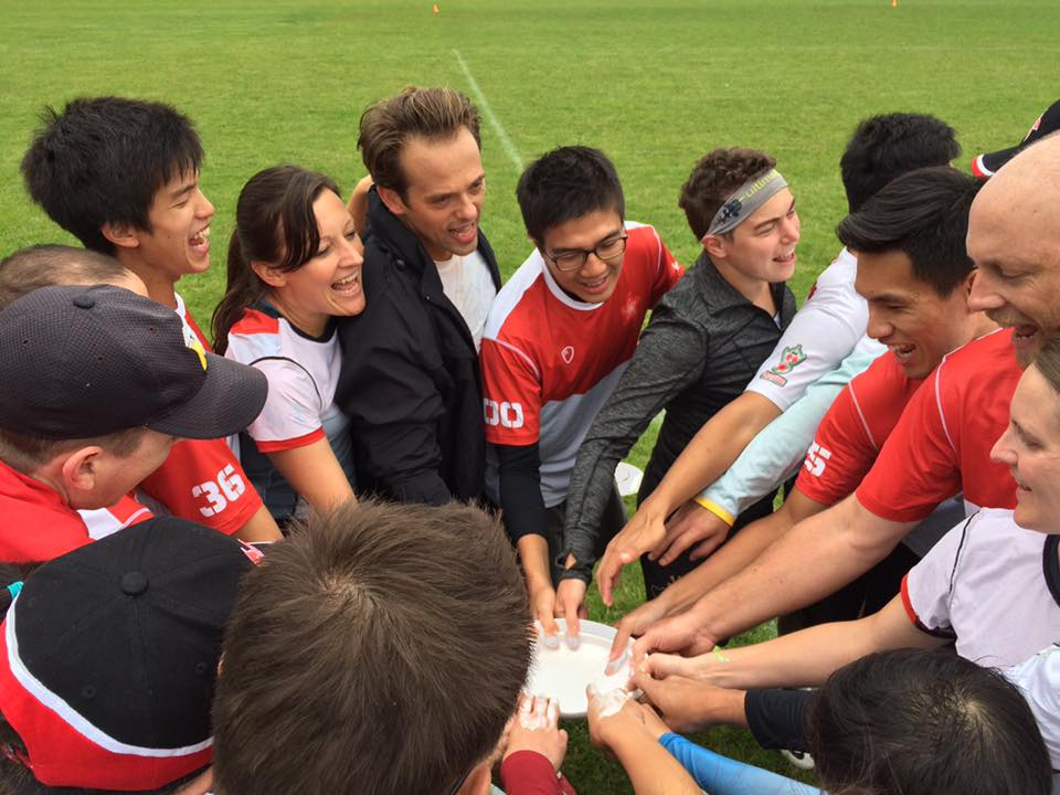 Hong Kong's mixed team getting fired up for some ultimate!