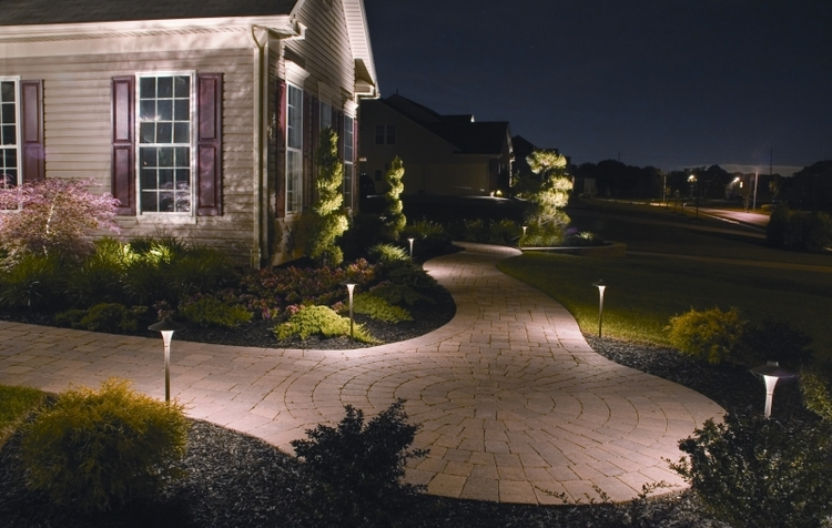 pathway-landscape-lighting.jpg