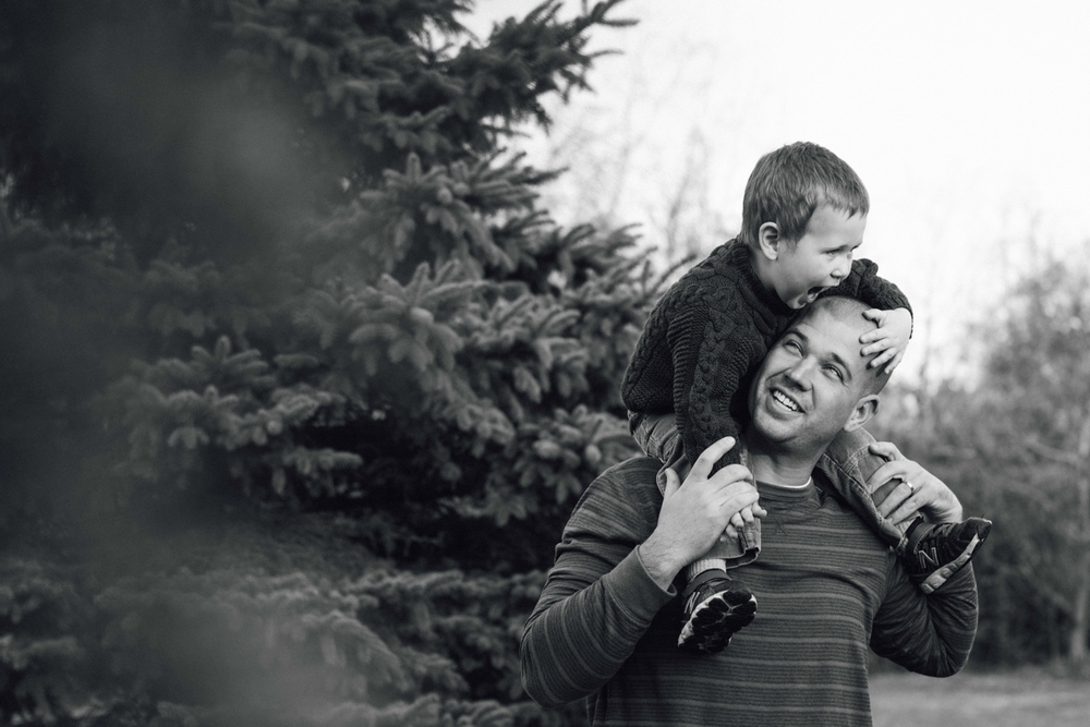 Again We Say Rejoice Photography - Backyard Lifestyle Family Session (3 of 17).jpg
