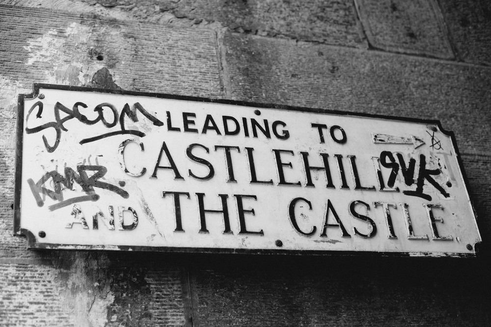 Edinburgh Castle Sign (1 of 1).jpg