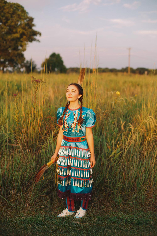 Erin Locke Senior Photos by Again We Say Rejoice Photography (77 of 129).jpg