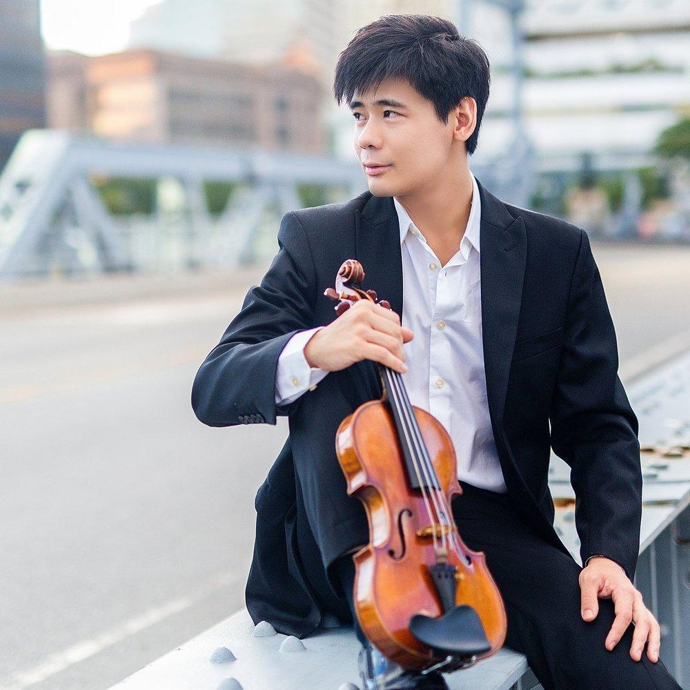Angelo Xiang Yu ,  violin