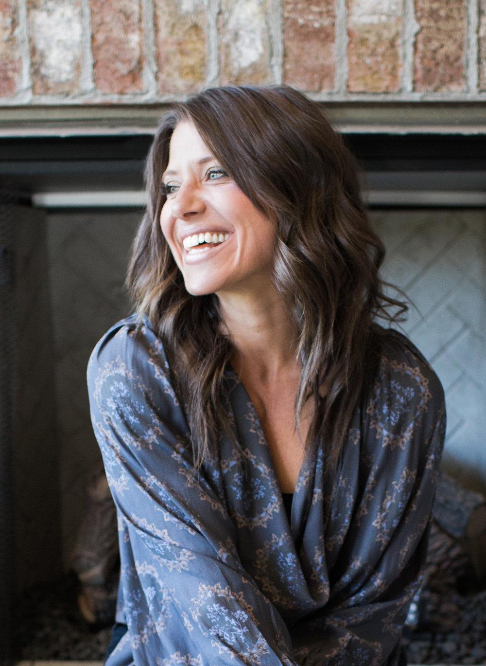 Lori Zabka ,  vocalist