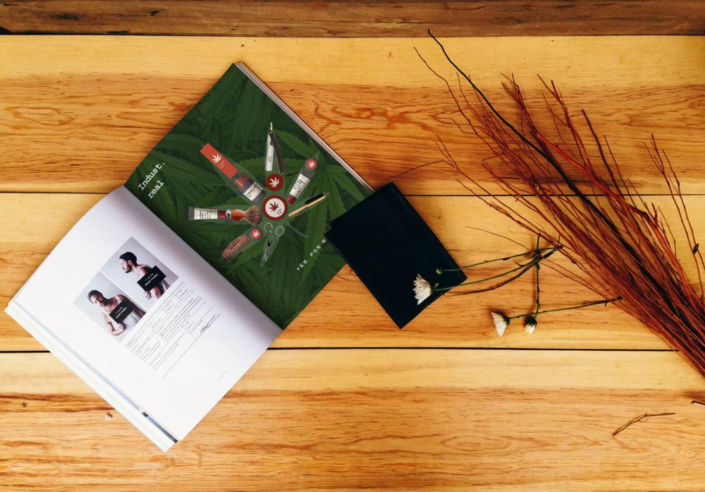 magazine-mockup-3.png