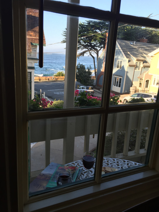 The view from our B&B made me really happy! Falling asleep to the sounds of the waves is pretty heavenly
