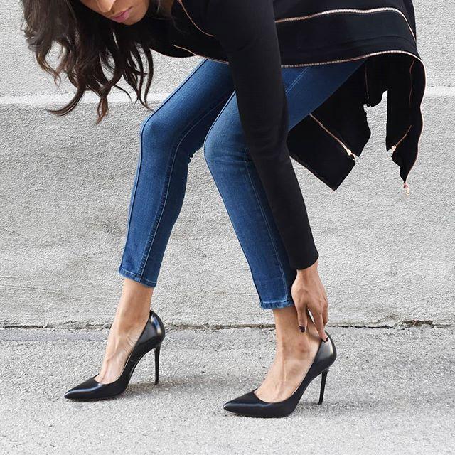 Zippers + Heels 🖤