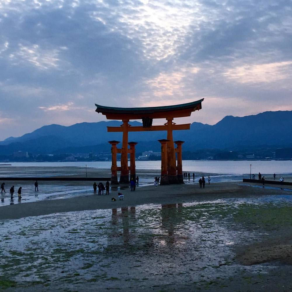 There is a genuine magic to this place that makes Japan unlike anywhere else in the world. It fills the air, the ocean, the sky and earth, and it envelops the soul of those who bear witness to it. #adventure #travel #japan #miyajima #miyajimaisland #floatingtorii #torii #trancend #spiritual #magical #livingthedream #radicaldreamer  (at Miyajima Floating Torii)