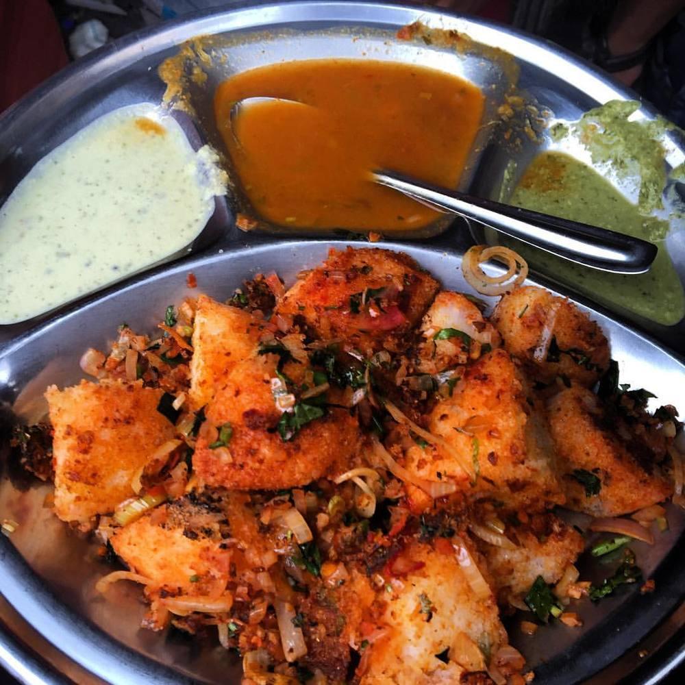 Found myself some fried Idly in Mumbai. Soooooo good! #travel #india #indianfood #streetfood #mumbai #food (at Mumbai, India)