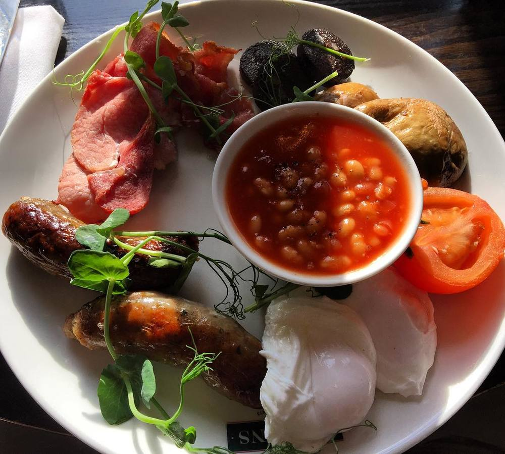 """Full"" breakfasts served in many regions of the United Kingdom are still my favorite way to eat a meal in the morning. Delicious! #food #travel #breakfast #bath #unitedkingdom  (at Browns Bar & Brasserie)"