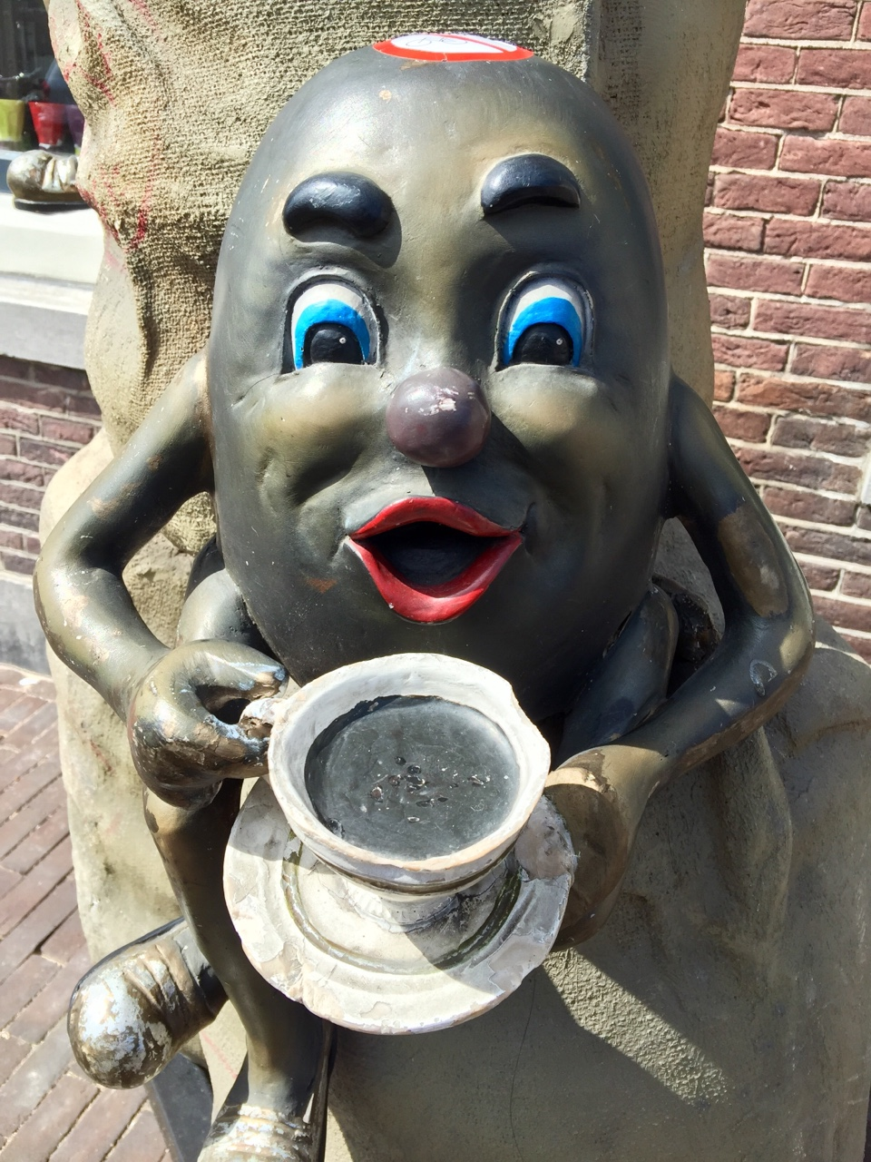 Weesp, Netherlands    I have found the cannibal coffee bean, and it is a fearsome sight to behold 😱