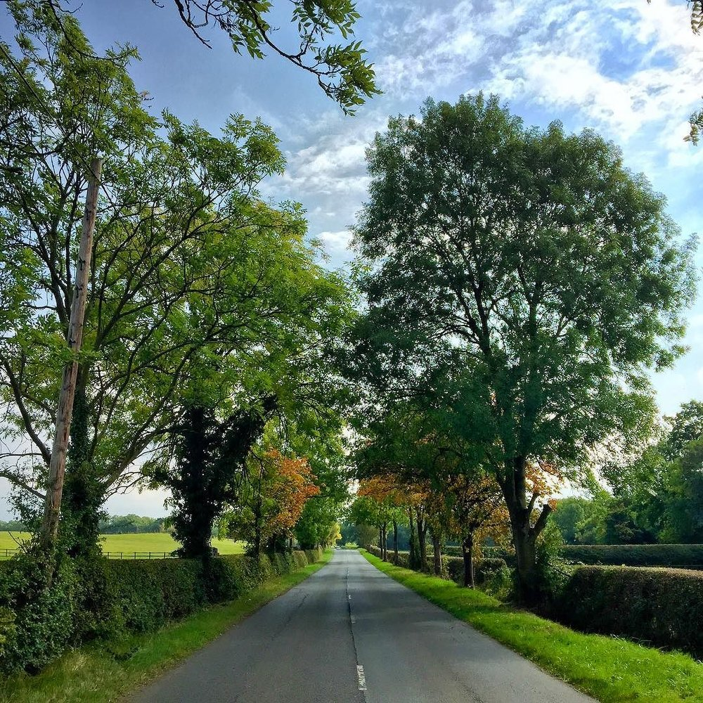 Stratford_Upon_Avon_Road.jpg