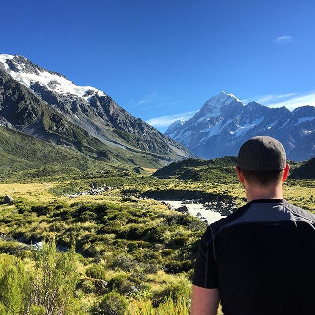 Looking on to Aoraki / Mt. Cook along the Hooker Valley track. What a spectacular view! #newzealand #nz #nzmustdo #hiking #tramping #nature #outdoors #mountains #aoraki #mountcook #view