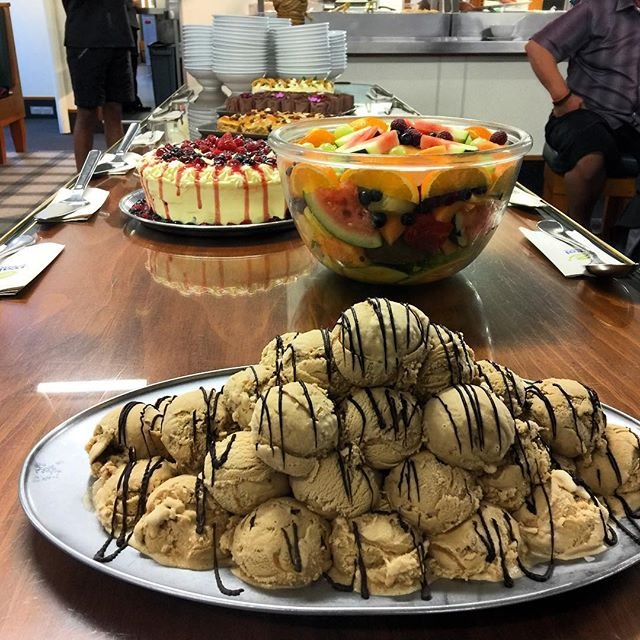 The delicious desert spread on the Milford Mariner 😋 *drool* #newzealand #nz #nzmustdo #milfordsound #milfordmariner #dessert #sweets #delicious #yum
