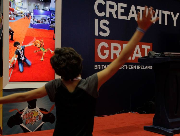 Hero Mirror on UKTI Stand, IAAPA Orlando 2015.