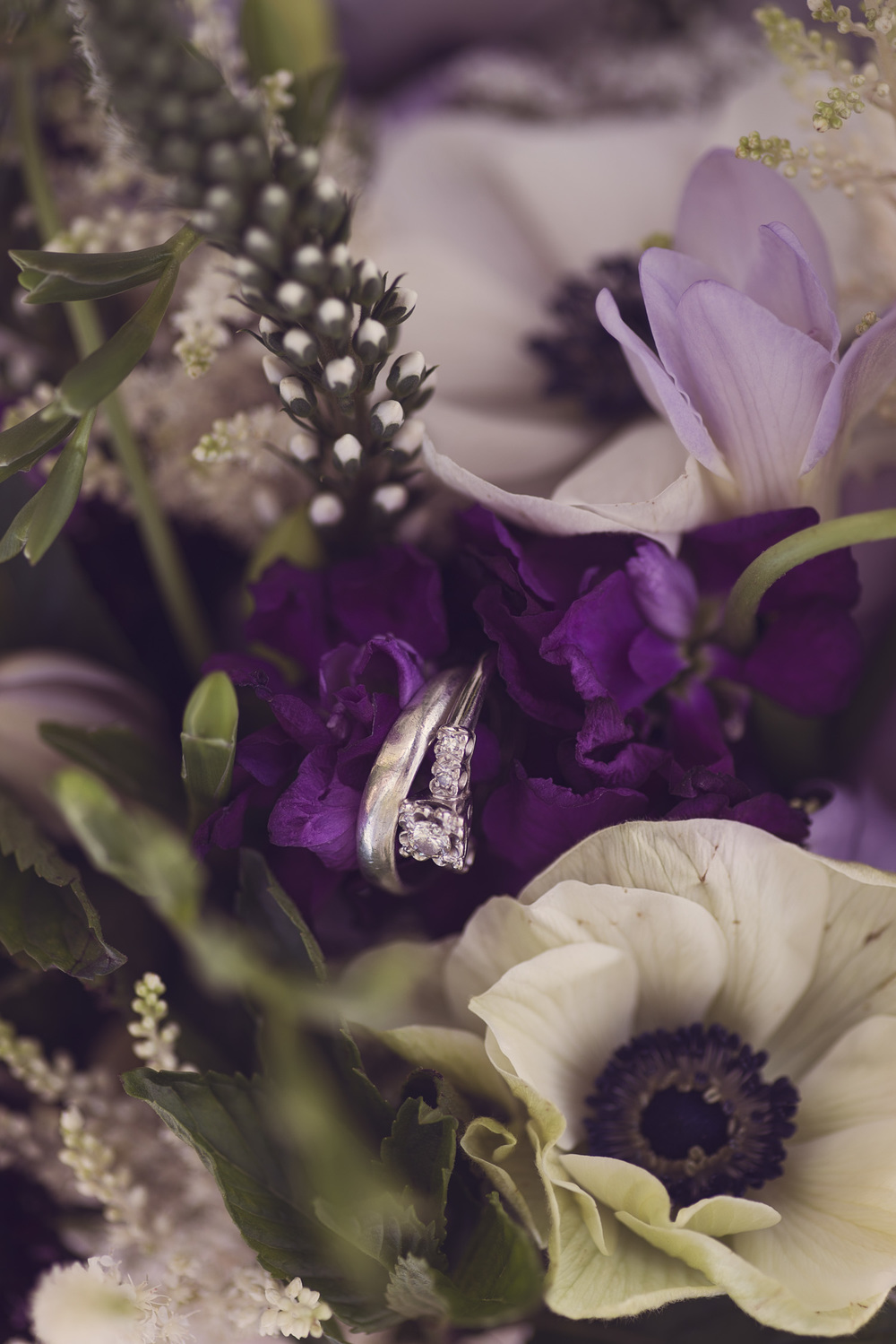 rings wedding bands flowers details colorful closeup