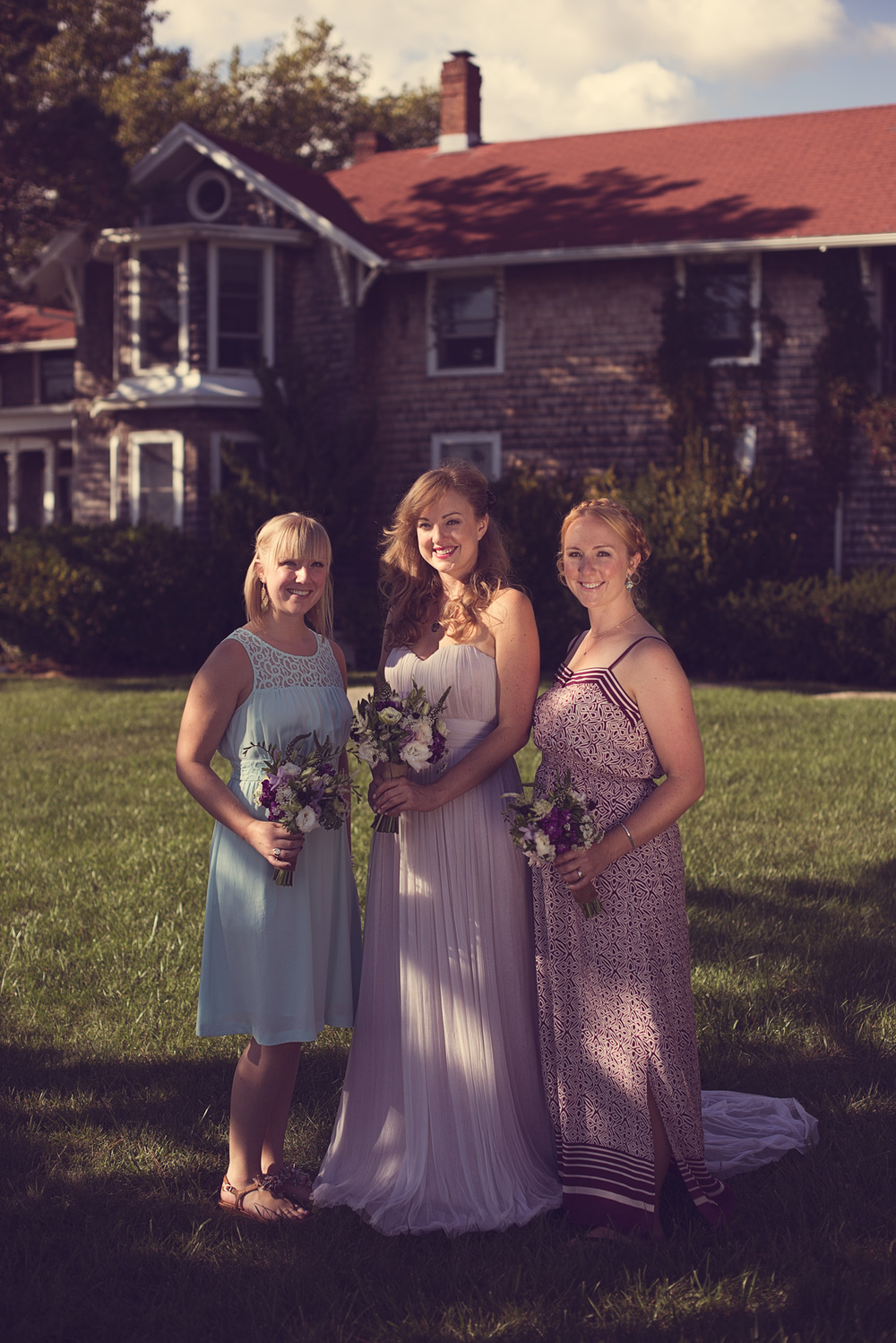 bride wedding smile sisters family THPHOTO Linden Point House Connecticut