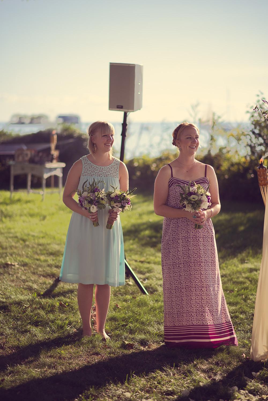 sisters bridesmaids ceremony sunshine