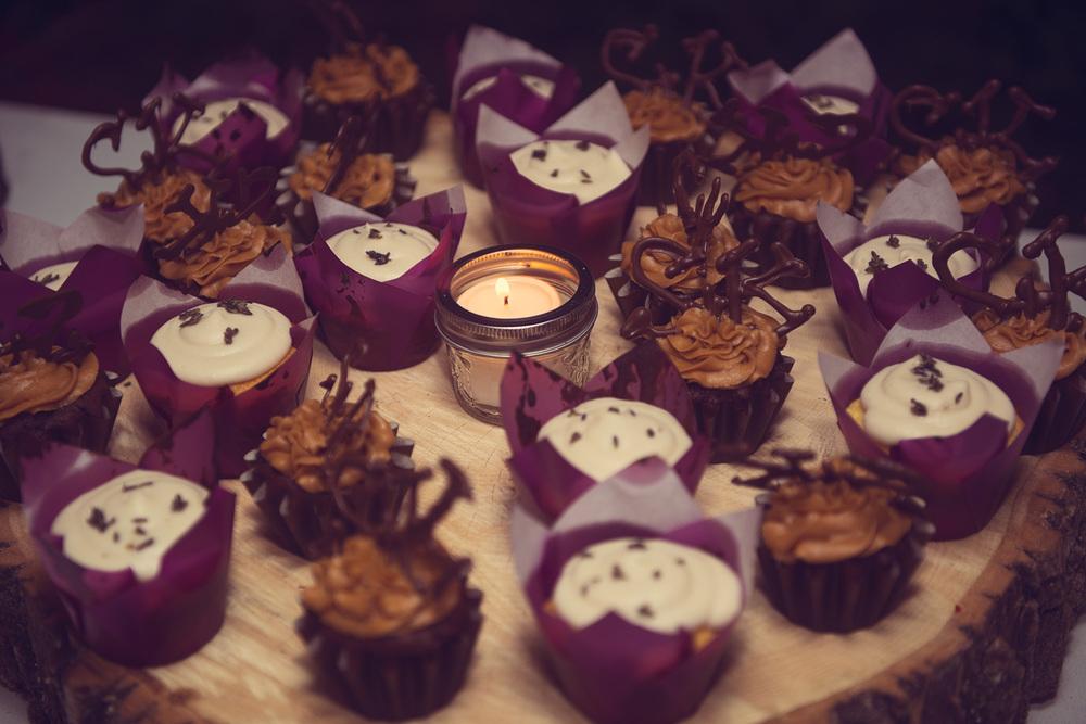 homemade cupcake wood platter dessert tasty