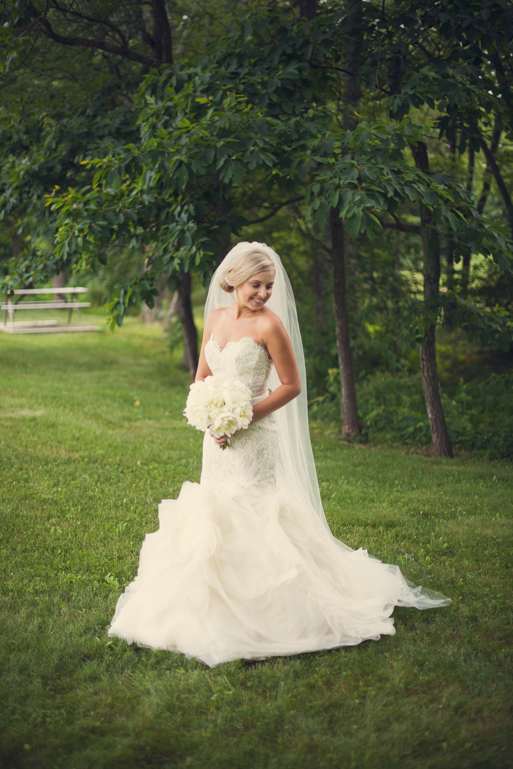 bride portrait dress lace veil forest