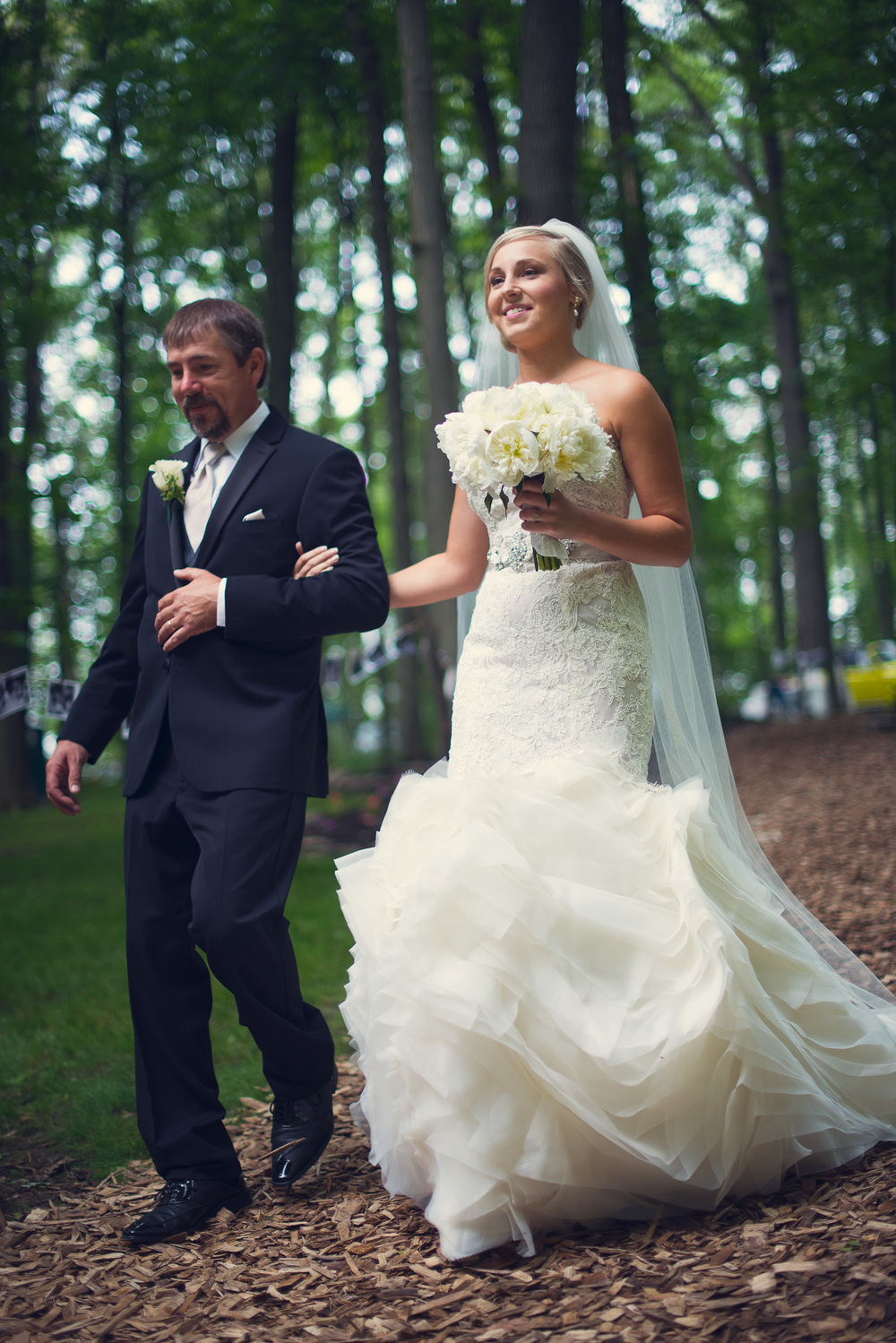father daughter bride aisle outdoor