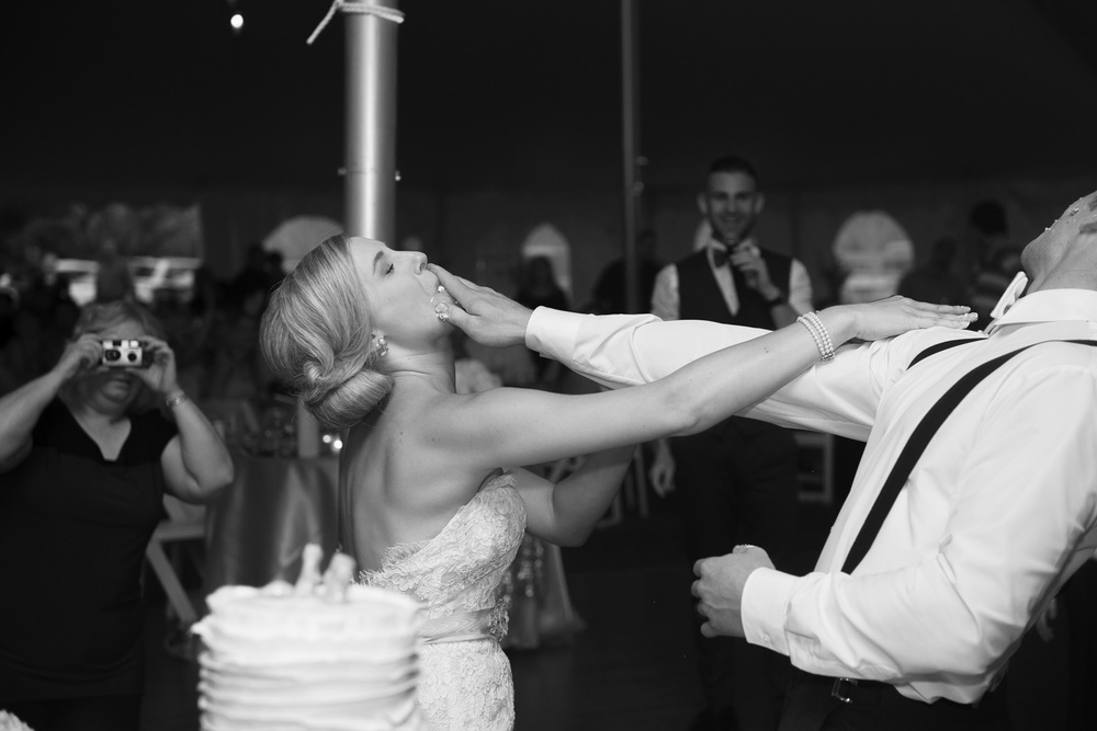 bride groom cake cutting dessert bw