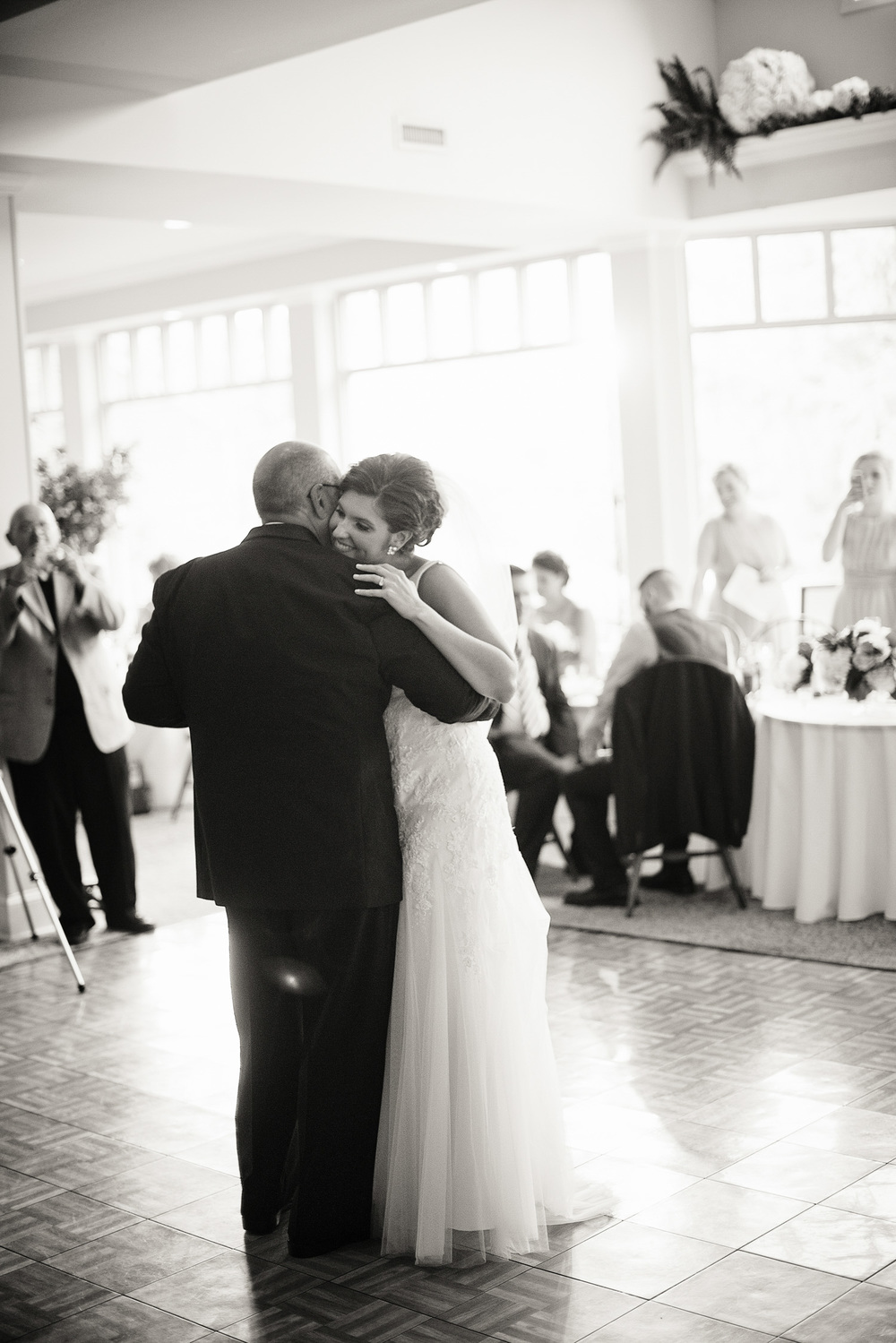 wedding bride father daughter dancefloor reception