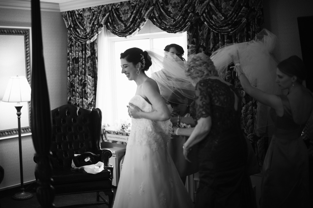 bride dress portrait THPHOTO