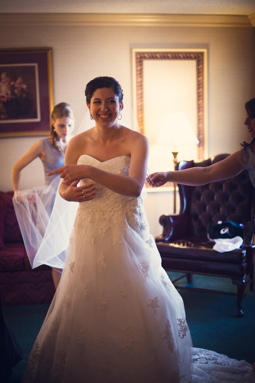 bride dress portrait laughter smiling THPHOTO