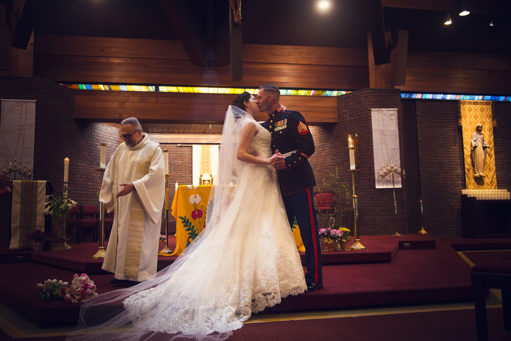 bride groom marine alter kiss husband wife couple married wedding ceremony church portrait THPHOTO