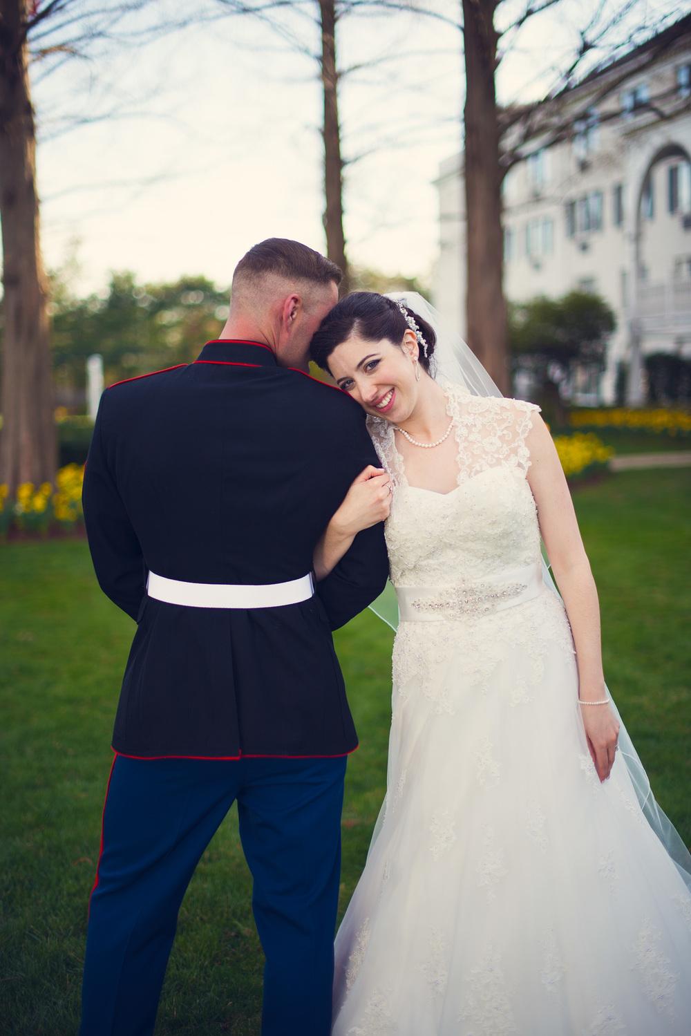bride groom marine smile outdoor love husband wife portrait THPHOTO