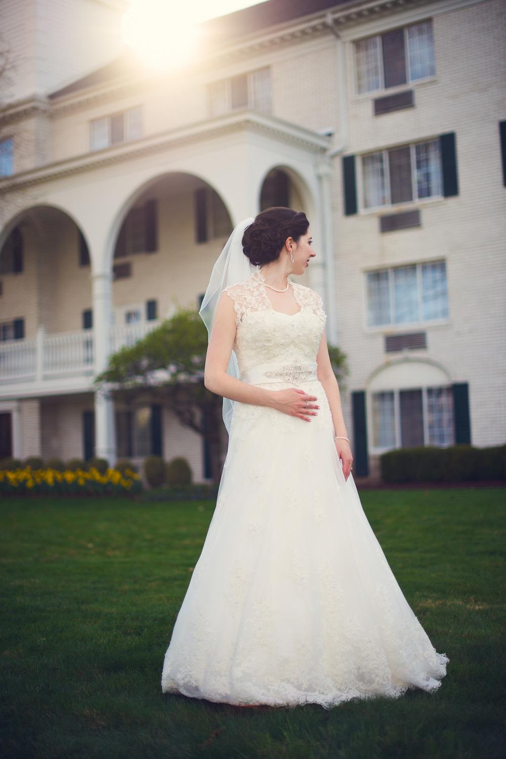 bride outdoor sun flare wife portrait THPHOTO