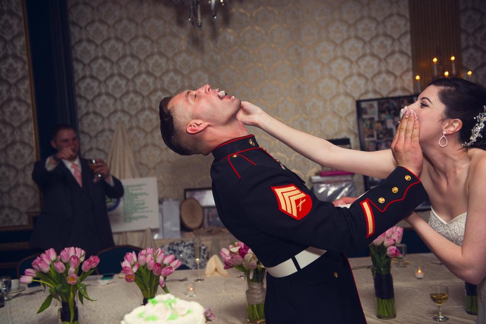 bride groom husband wife cake feeding mess smear portrait THPHOTO