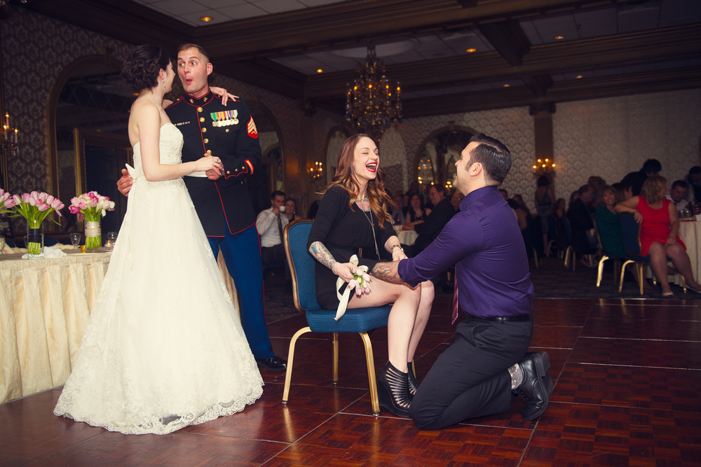 bride groom garter guests THPHOTO laughter