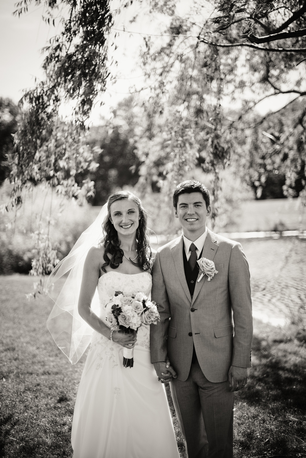 Blue Heron Pines Golf Club sunshine daytime wedding bride groom smiling husband wife love portrait THPHOTO bw