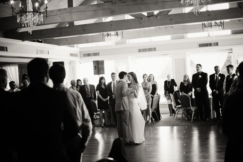 reception wedding bride groom first dance husband wife portrait THPHOTO