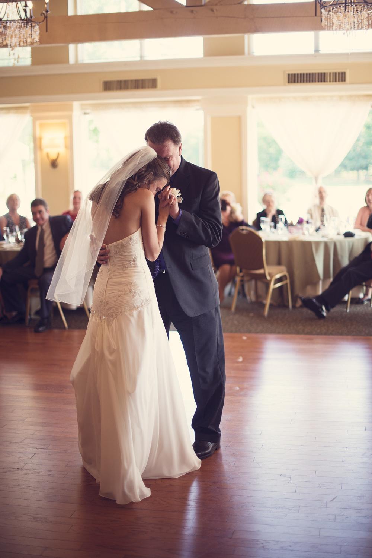 reception wedding bride father daughter dance portrait THPHOTO