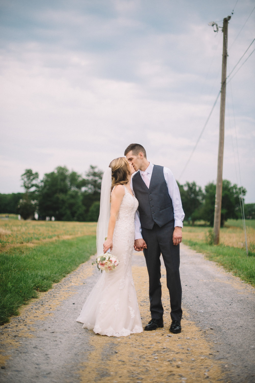 Traditional modern wedding Lancaster, PA | THPHOTO