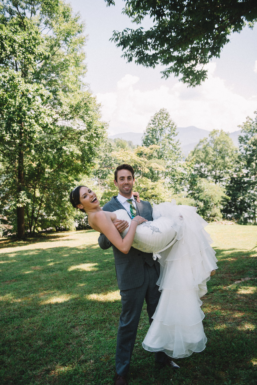 THPHOTO bride groom couple married portrait