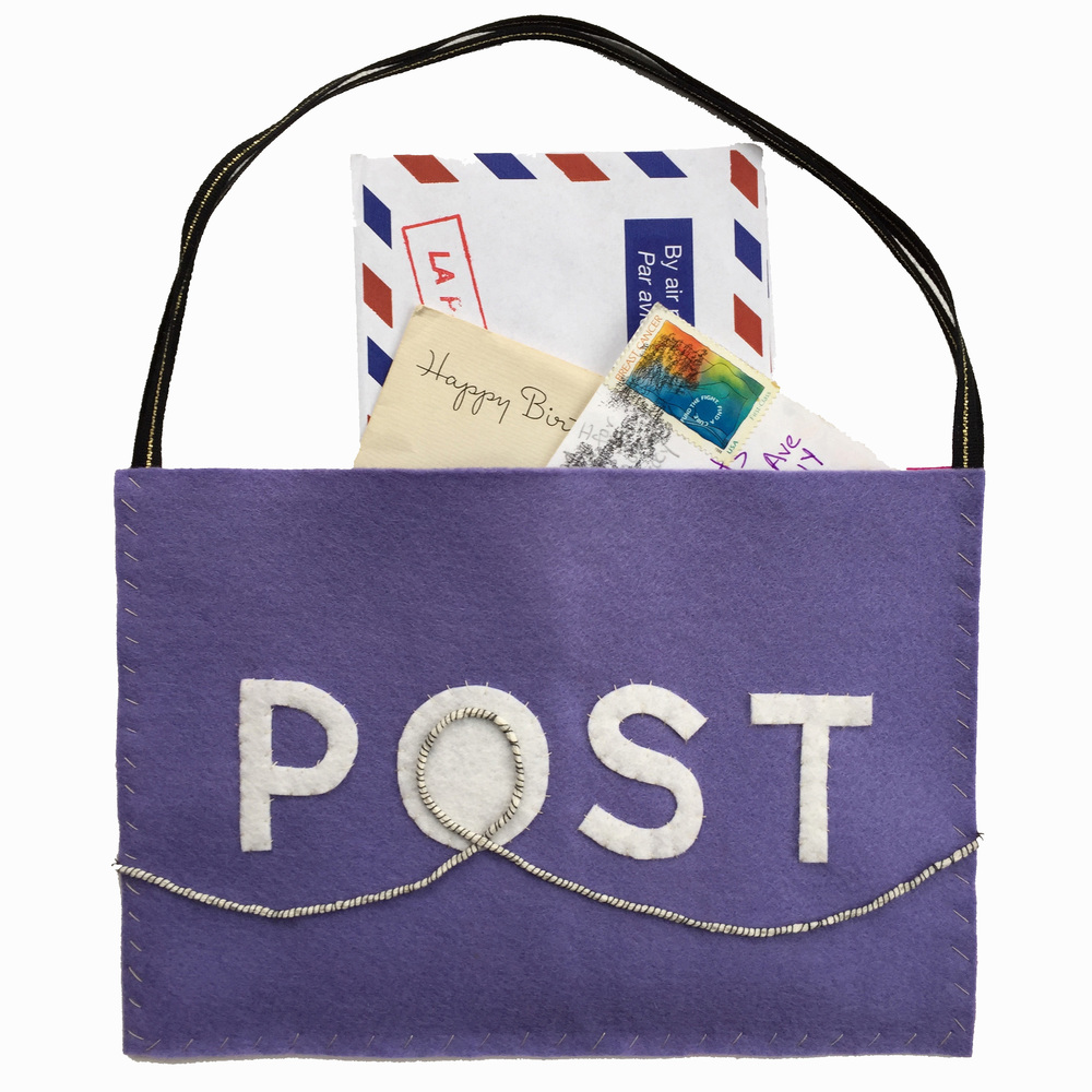 The Hudson Mailbag, a free sewing pattern for DIY post office play   by Rebecca Pitts