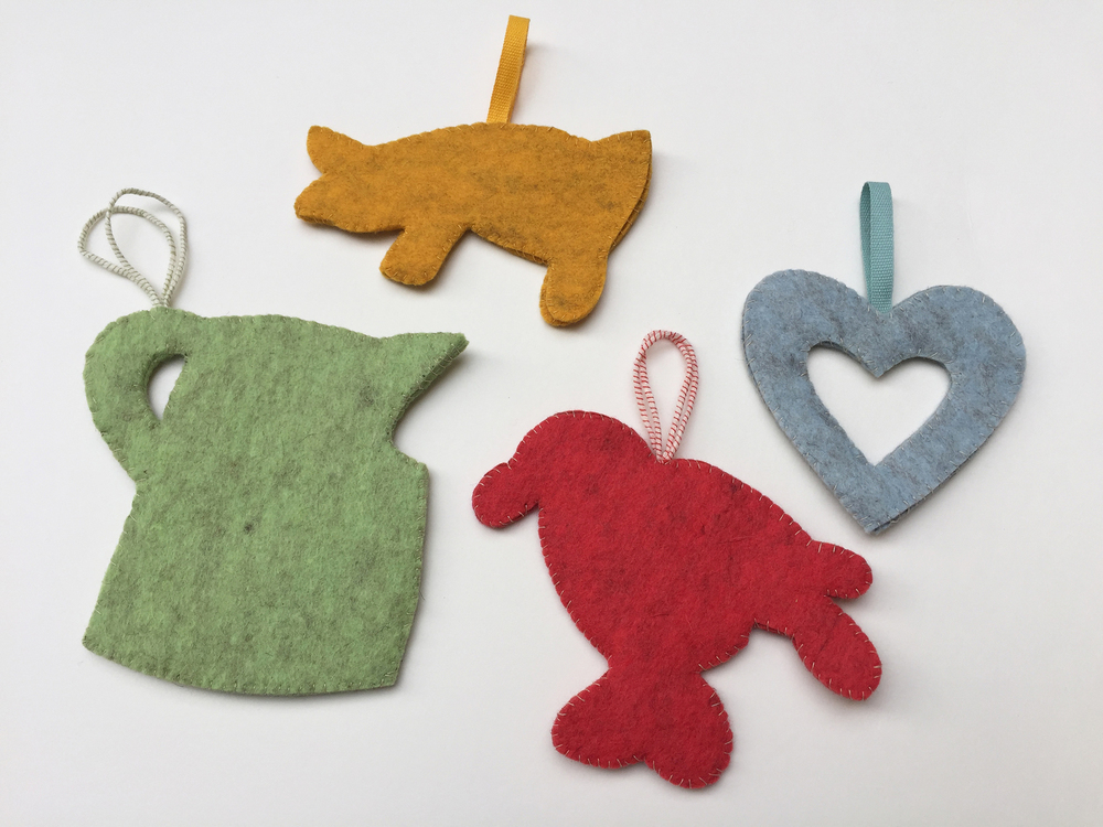 DIY Spatterware-Inspired Felt Ornaments by Rebecca Pitts