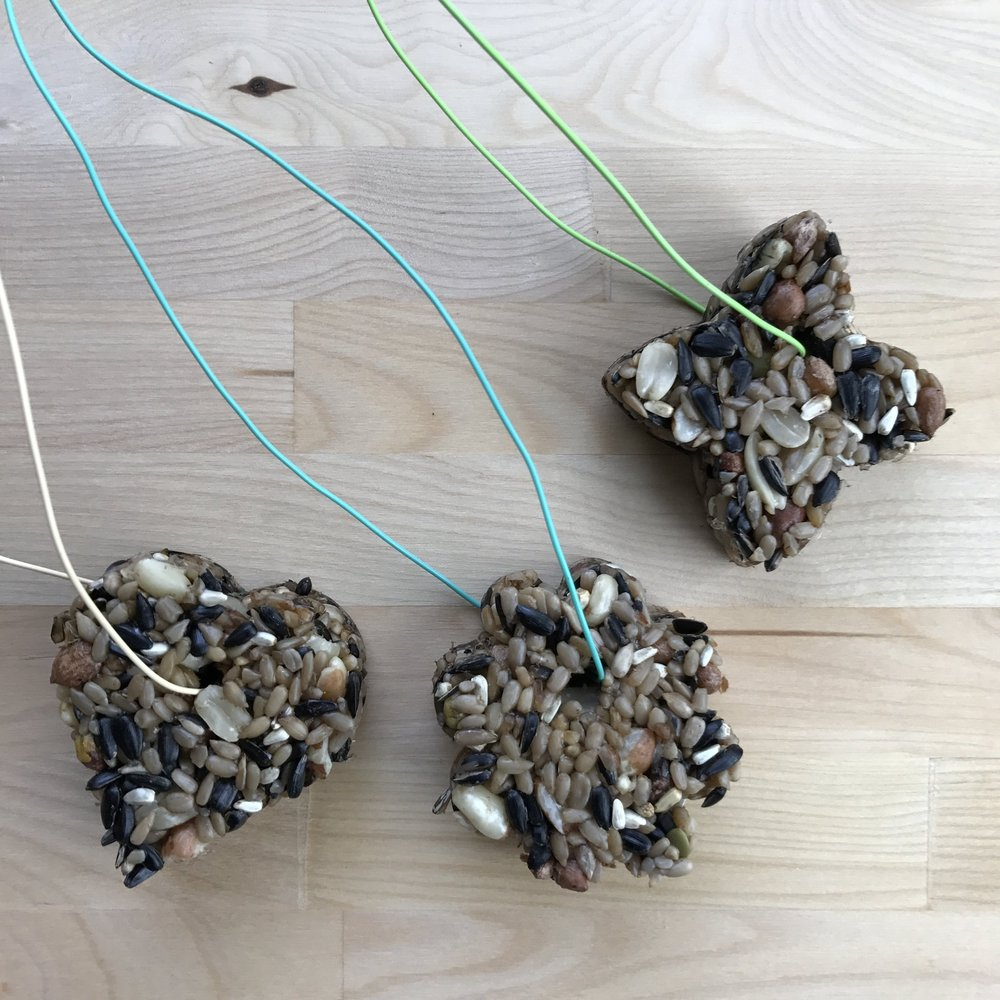 How to make DIY Bird Seed Ornaments - finished.jpg